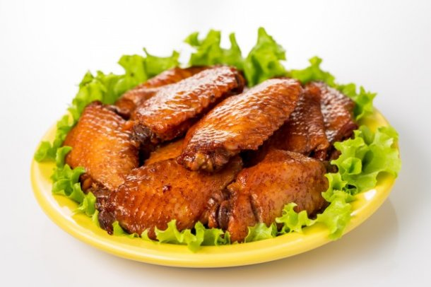 plate-of-chicken-wings_1088-201