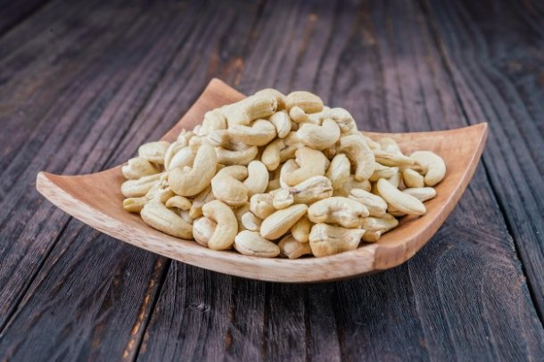 raw-cashew-organic-group-vegetarian_1203-6363