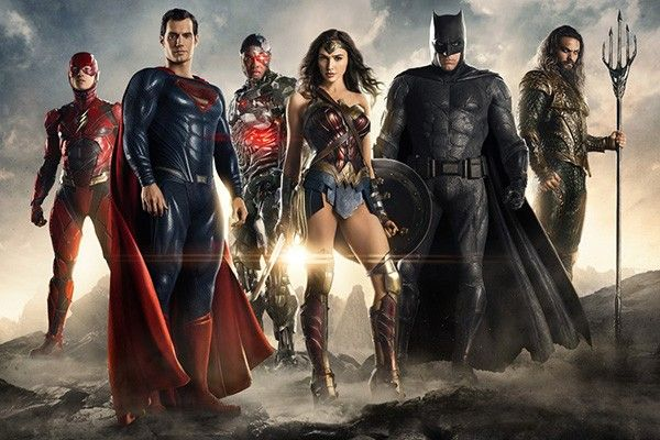 justice-league---special-shot---01-the-flash-ezra-miller-superman-henry-cavill-cyborg-ray-fisher-wonder-woman-gal-gadot-batman-ben-affleck-aquaman-jason-momoa