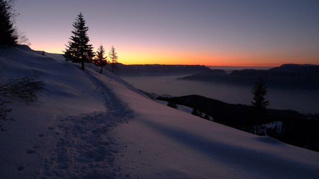 snow-834111_1280