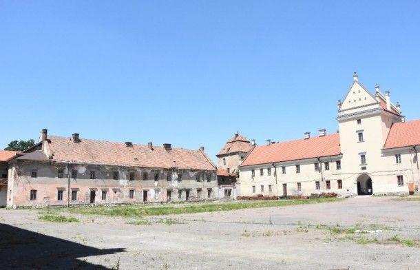 От общежитий до дворцов: что построят в Украине за государственный счет