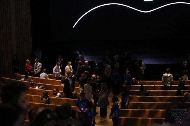 apple-iphone-2018-event-theverge-dbohn_82