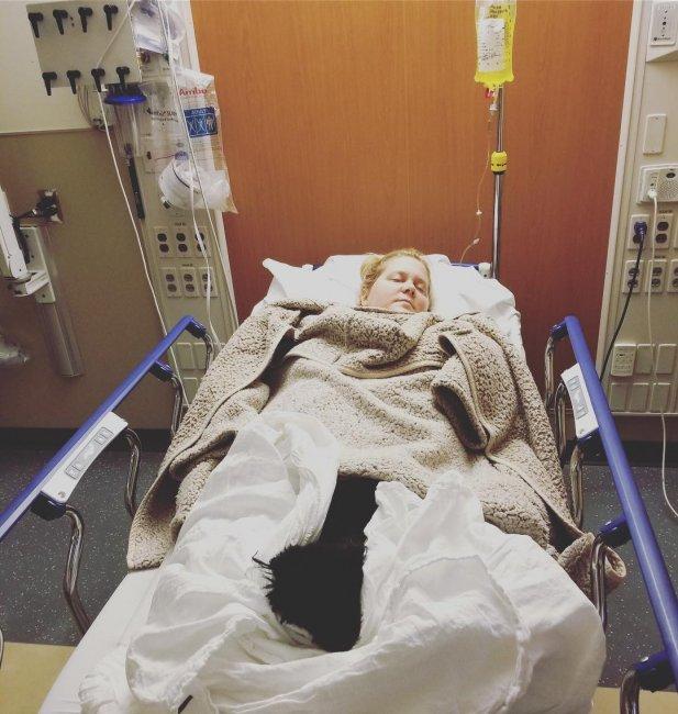 Беременная голливудская звезда Эми Шумер экстренно угодила в поликлинику