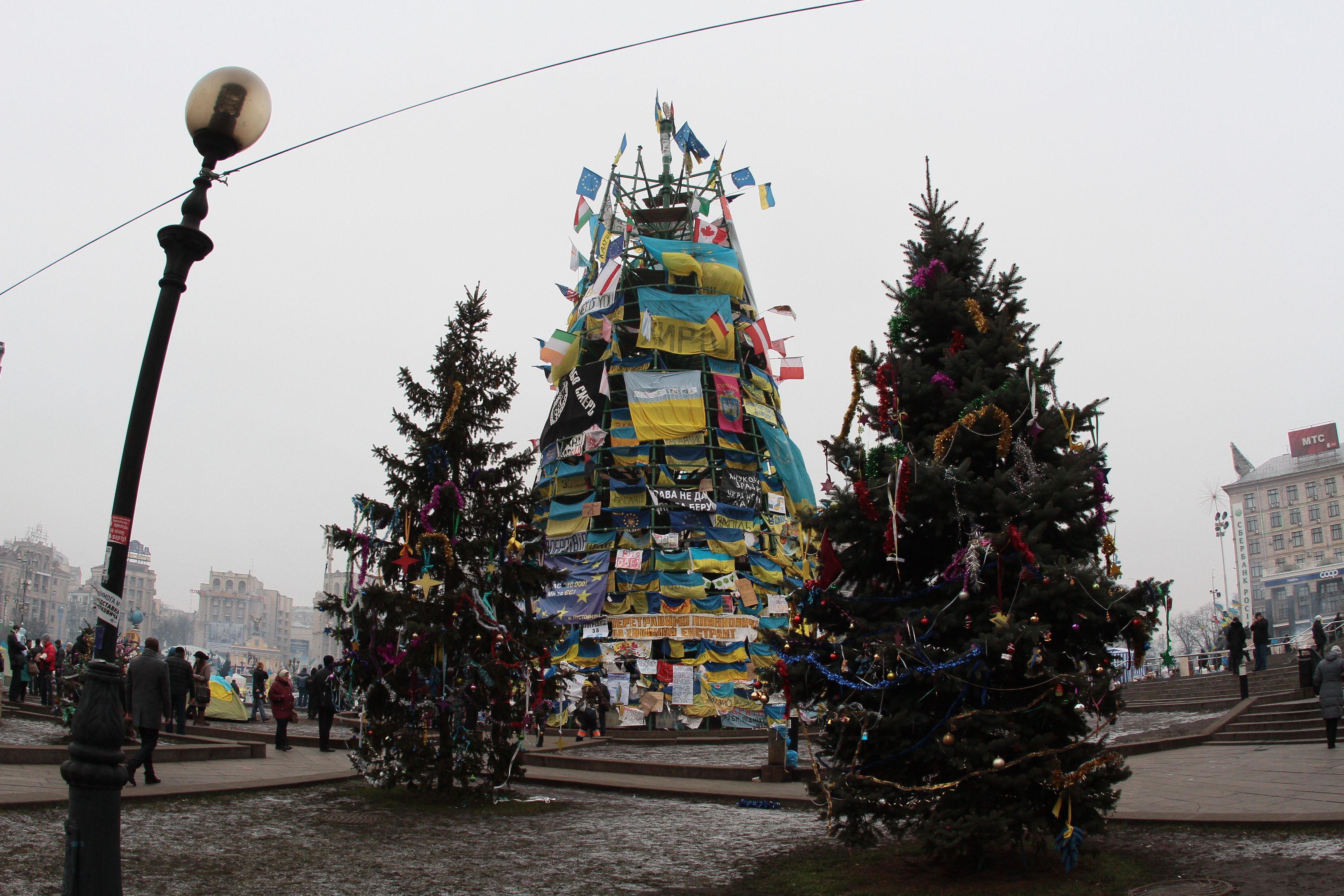 новогодние украшения на елку крючком