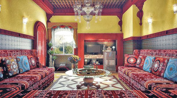 moroccan-style-living-room-ideas-decorative-interior-wall-to-get-natural-view-white-modern-pendant-lighting-floor-to-ceiling-curtain-wood-f-2-large-glass-window