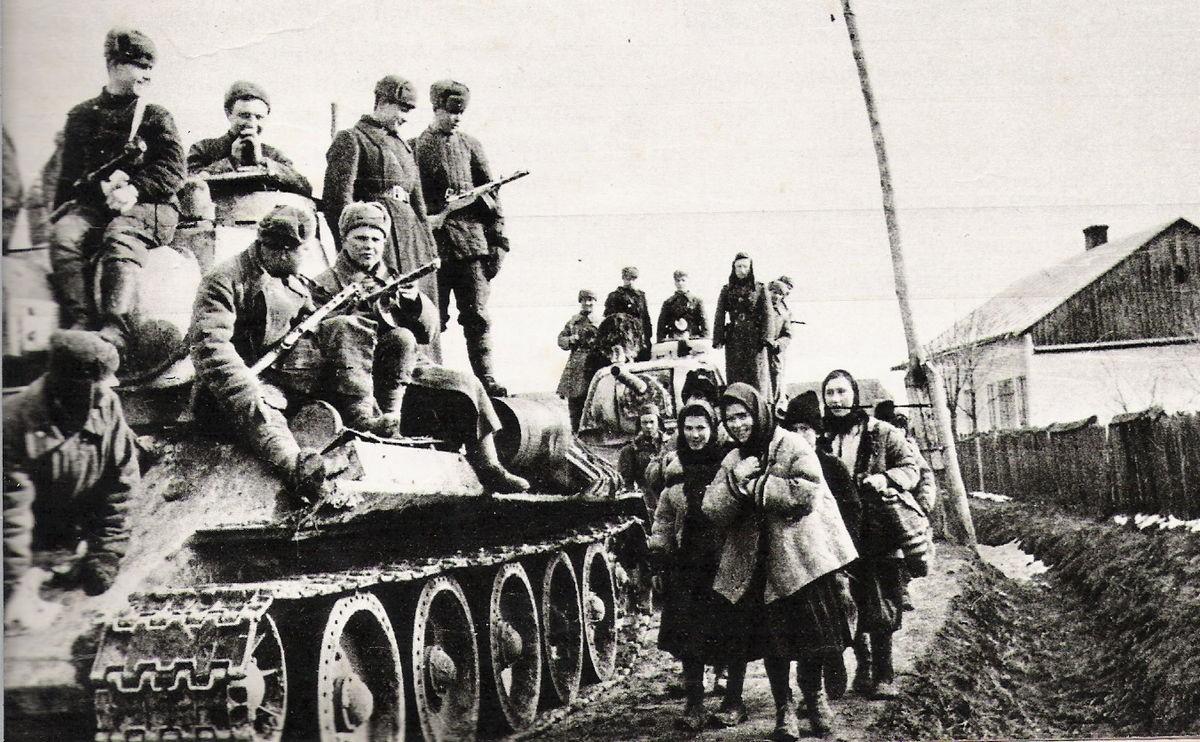 Памяти победы над нацизмом во Второй мировой войне: самые значимые бои украинских фронтов, фото-6