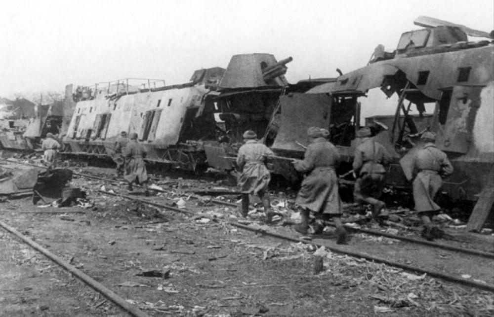 Памяти победы над нацизмом во Второй мировой войне: самые значимые бои украинских фронтов, фото-5