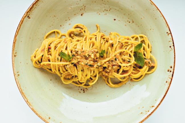 spaghetti-al-pesto-trapanese