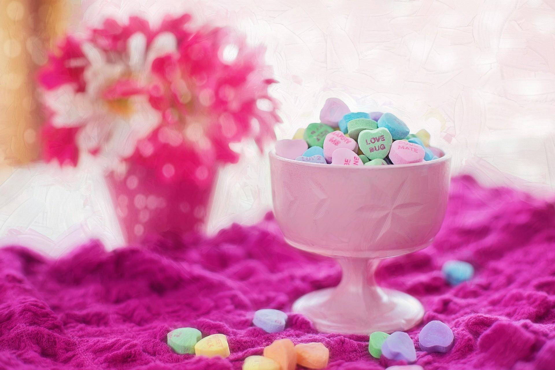 valentine-candy-626447_1920