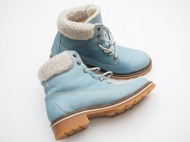 winter-boots-795706_1280