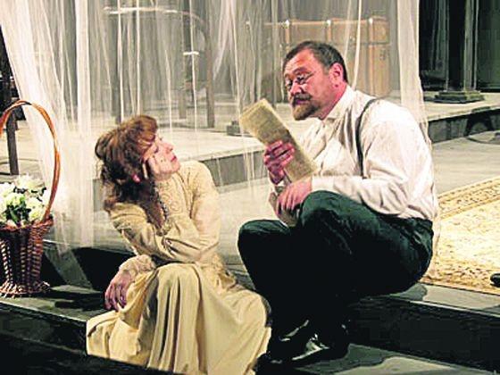 """Рецензия  """"Театральной Афиши """".   """"Это яростный автор """" - так понимает Чехова Армен Джигарханян.  Он нашел для этой..."""