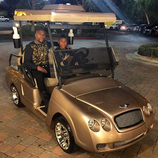 лучший боксёр мира вне зависимости от весовых категорий флойд мейвезер-младший подарил сыну на 15-летие золотой гольф-кар марки «бентли».