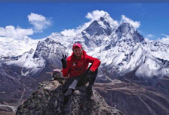НаЭвересте спасли украинских альпинистов
