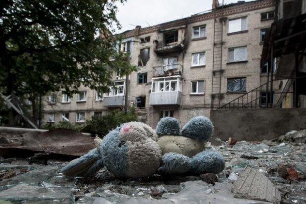 1402842564_ukrainskie-deti-vozvraschayutsya-iz-rossii-domoy