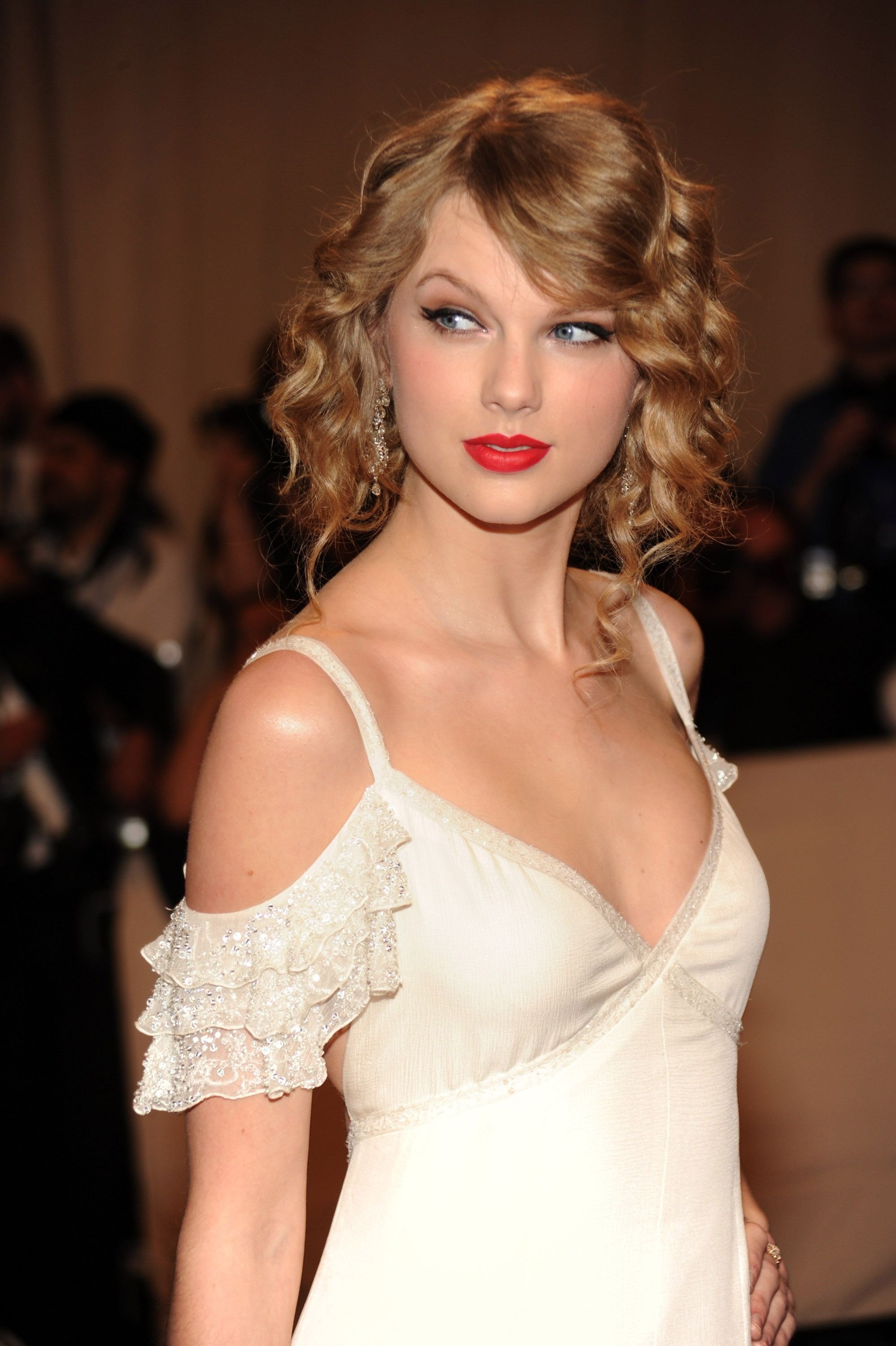 1273238816_re-actor.net_taylor-swift-03