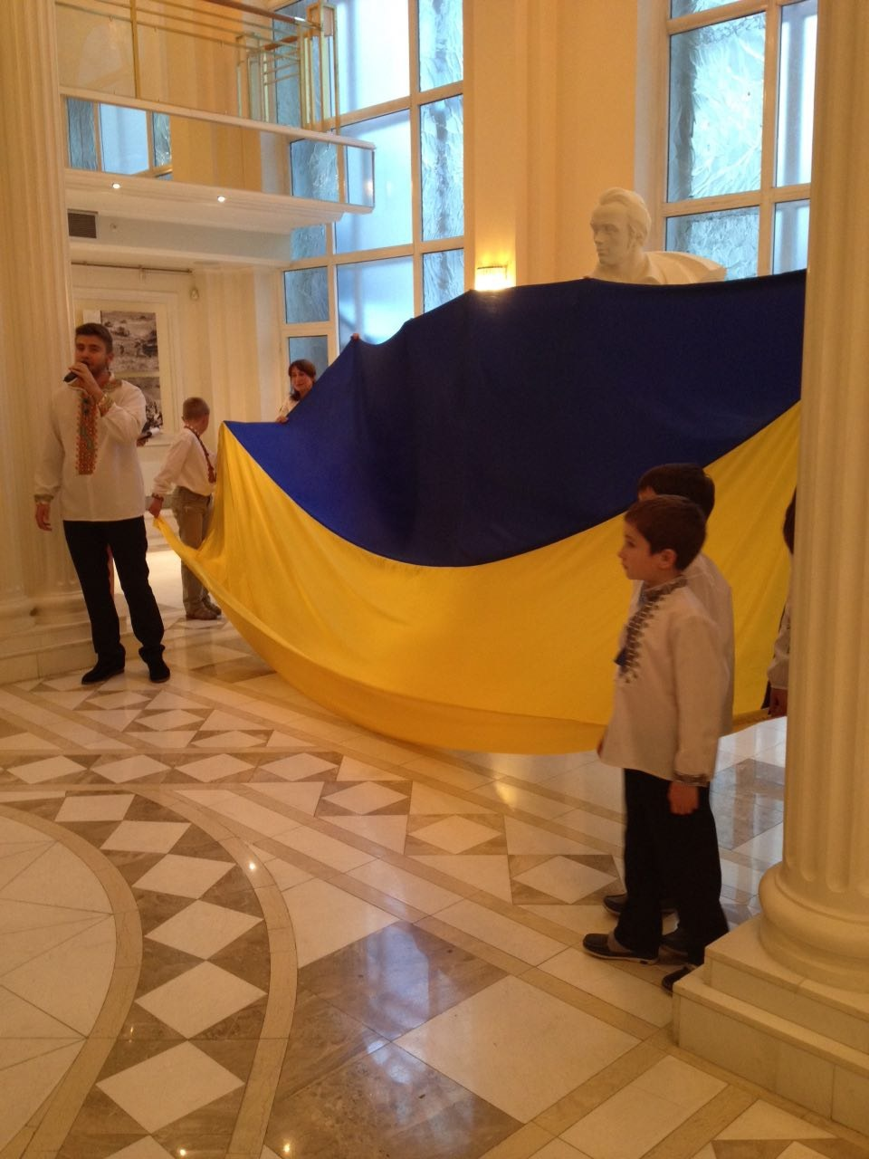 1467139261-1015-moskva-den-konstitutsii