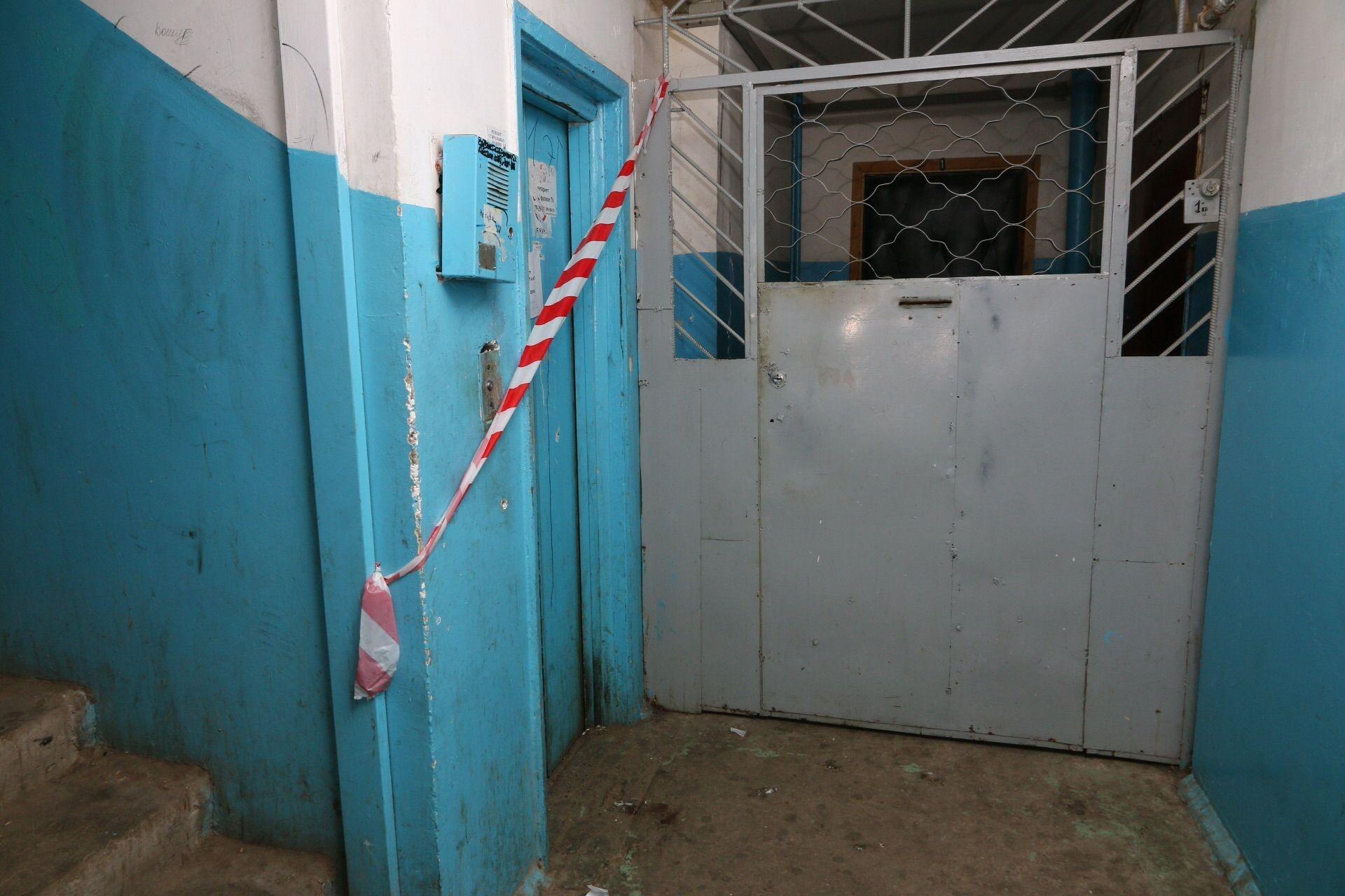 Россиянку и ее шестимесячного сына раздавил лифт 100