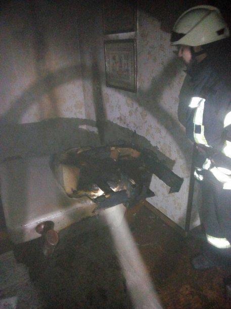Под Киевом произошел масштабный пожар в жилом доме, фото-1