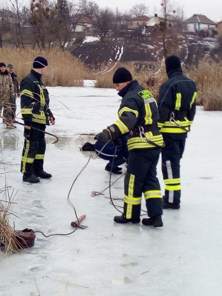 Под Киевом в водоеме обнаружили мертвого мужчину, фото-1