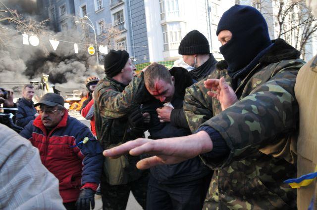 Год президентства Порошенко: тысячи жертв на Донбассе и зарплаты, как в Замбии (фото) - фото 9