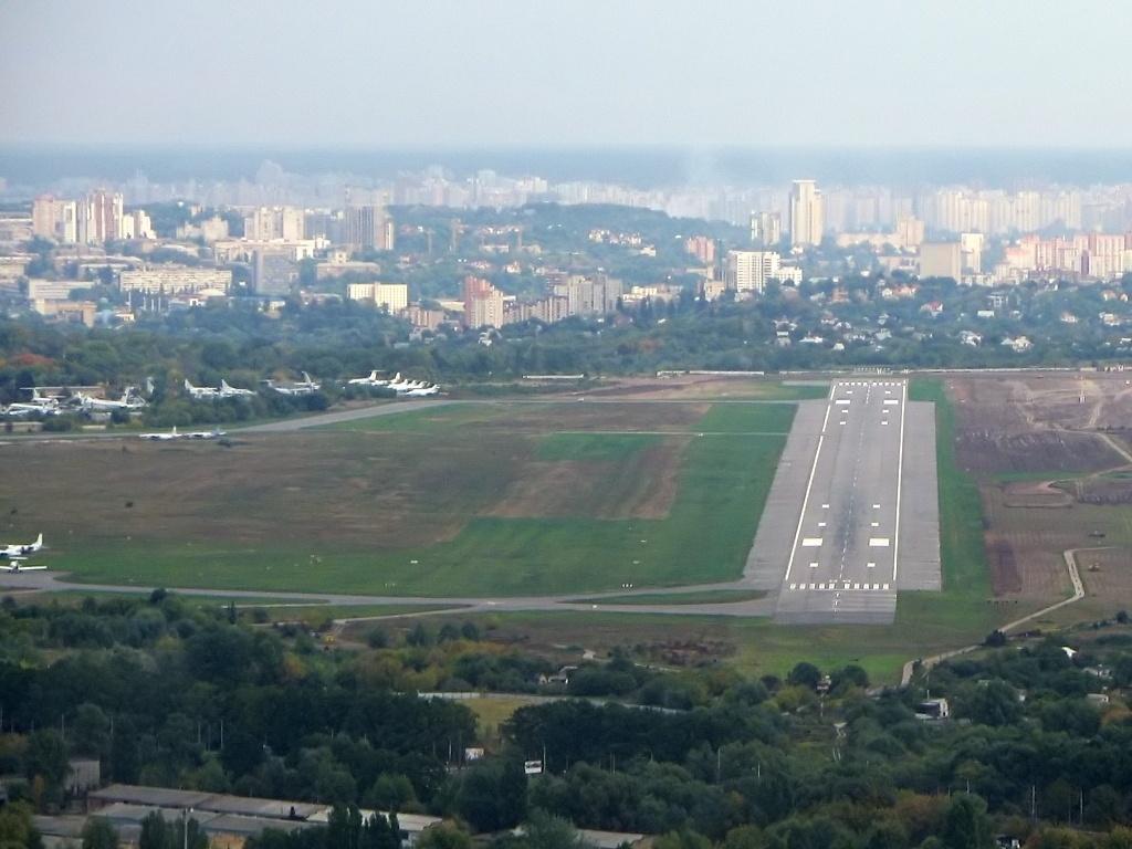 kyiv_zhuliany_international_airport_01