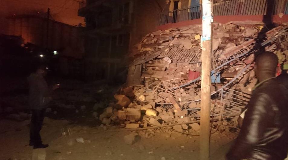 Около покрайней мере 15 человек  в итоге  обрушения здания вКении пропали без вести