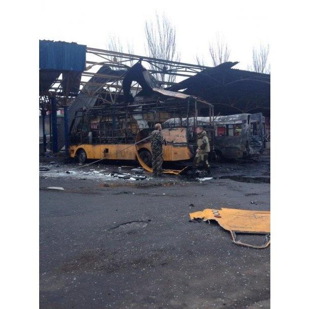 Дончане, пострадавшие год назад во время обстрела остановки на Боссе, живут один на один со своей бедой (фото) - фото 7