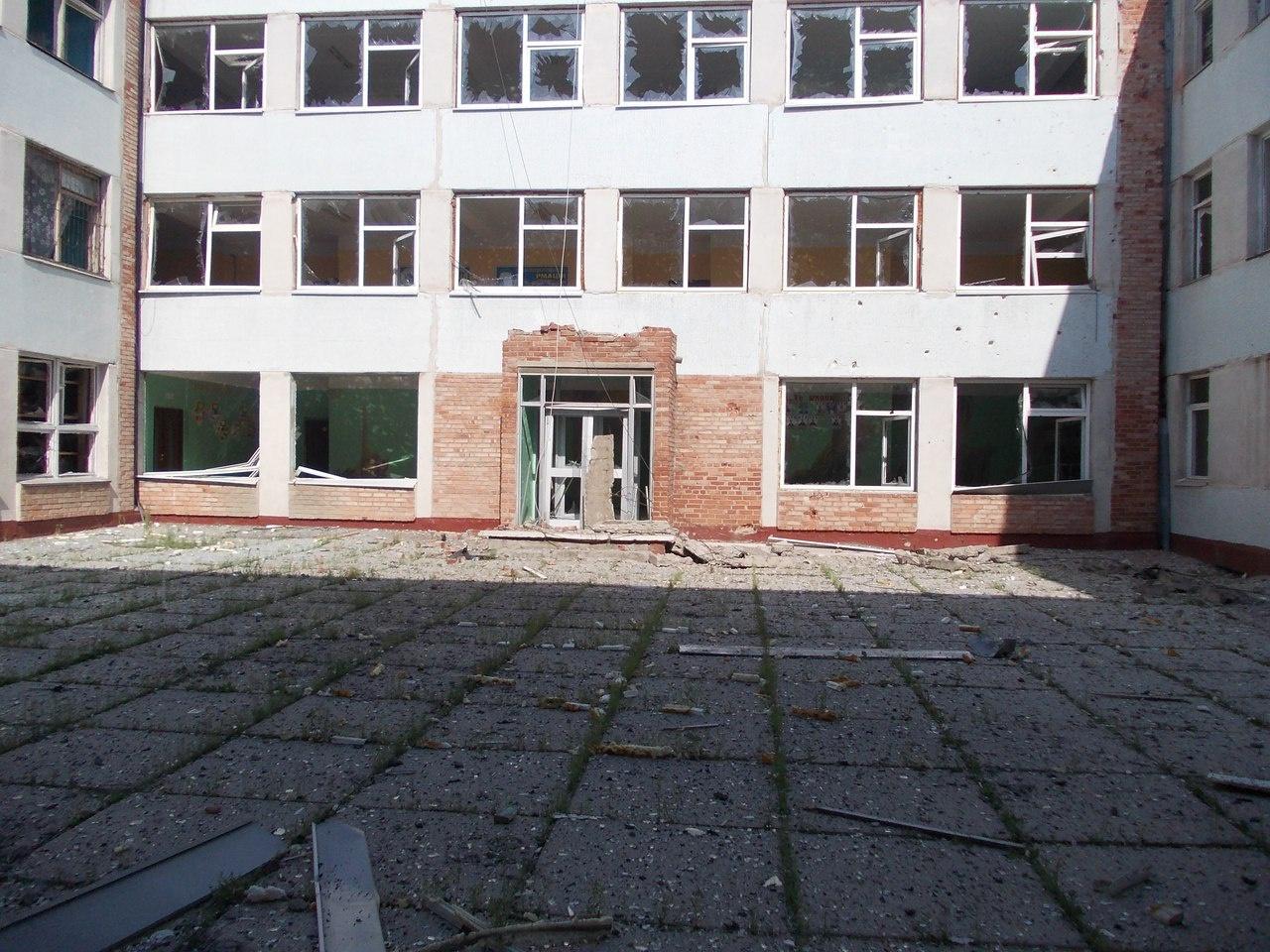 Выпускники школ и вузов «ДНР» и «ЛНР» остались ни с чем (фото) - фото 2