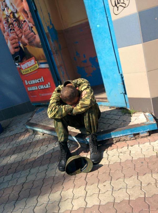 Боевики перестали чувствовать себя спокойно на Донбассе: взрывы у памятников, эпидемии и отравленная еда, фото-1