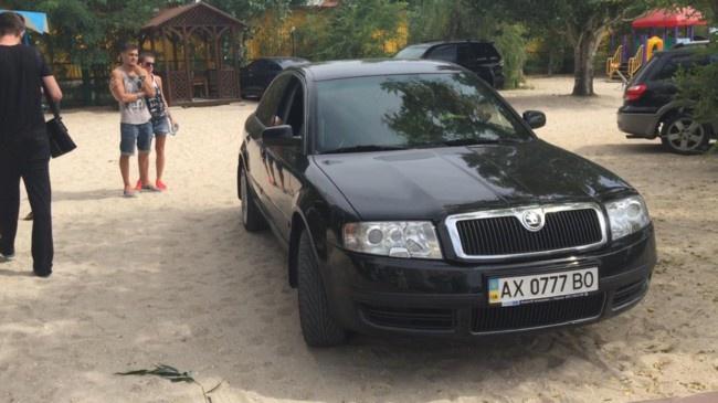 23-летний харьковский прокурор оскандалился на отдыхе в Кирилловке
