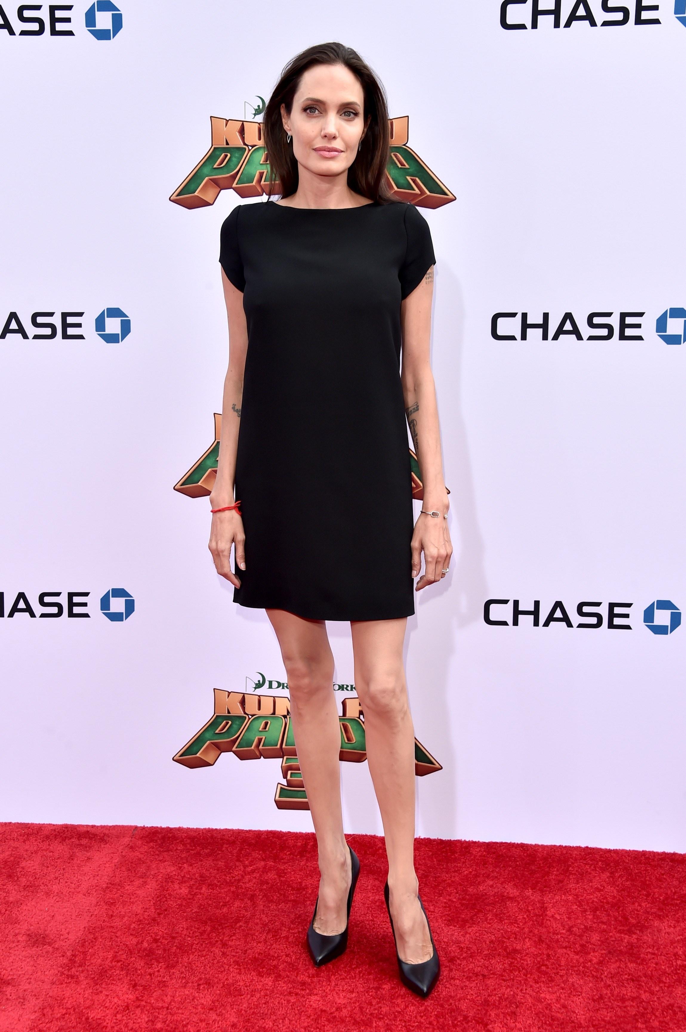 Анджелина Джоли шокировала костлявыми ногами - Звездные ... анджелина джоли сейчас