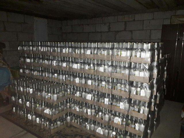 Милиция пресекла производство фальсифицированного алкоголя соборотом полмиллиона грн всутки