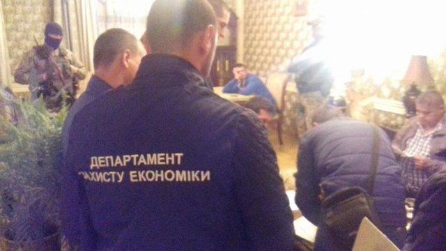 Милиция пресекла масштабное производство фальсифицированного алкоголя