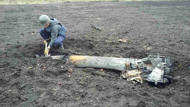Навоенном складе вукраинской Балаклее продолжаются одиночные взрывы