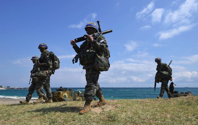 Южная Корея сказала о запуске вКНДР «неопознанной ракеты»