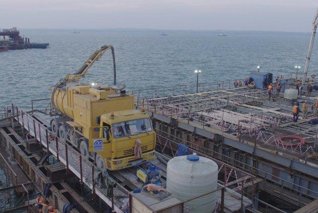 Настройке Керченского моста началось бетонирование главнейшего элемента
