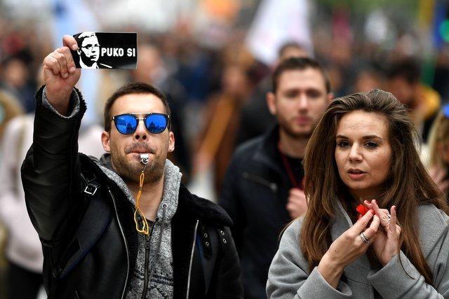 Протесты против Вучича: вБелграде наулицы вышли тысячи людей