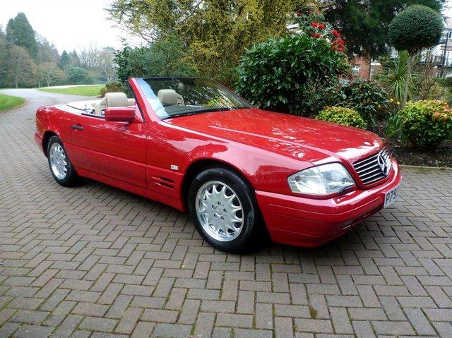 Смолотка пустят «новый» Mercedes 1990-х годов сочень незаурядной судьбой