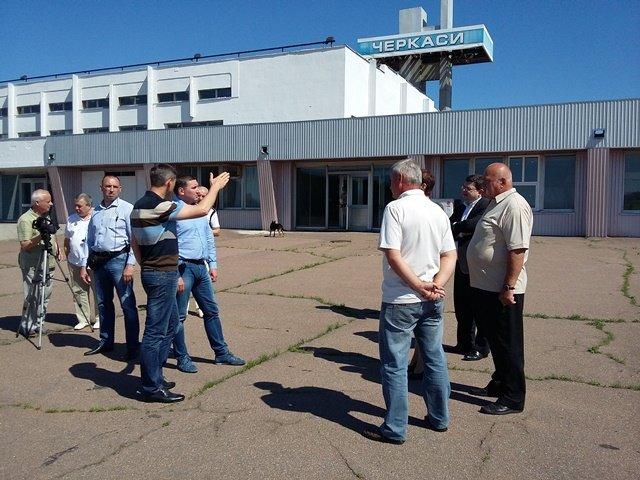 Черкасский аэропорт. Обслуживает только чартерные рейсы. На его реконструкцию планируют потратить 90 млн грн. Фото: procherk.info
