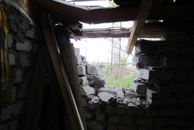 Террористы обстреляли Попасную изминометов— повреждены жилые дома