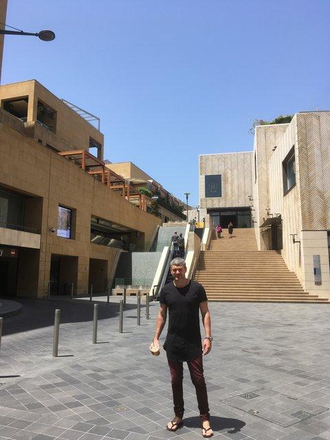 Арсен Мирзоян и Тоня Матвиенко побывали в Ливане ...: http://www.segodnya.ua/culture/stars/arsen-mirzoyan-i-tonya-matvienko-pobyvali-v-livane-1021326.html