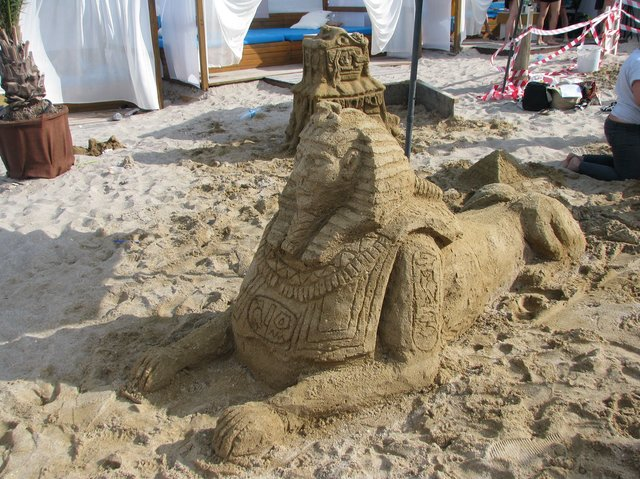 Сфинкс. Миниатюрная копия мифического существа из Египта. Фото: Елена Васюкова