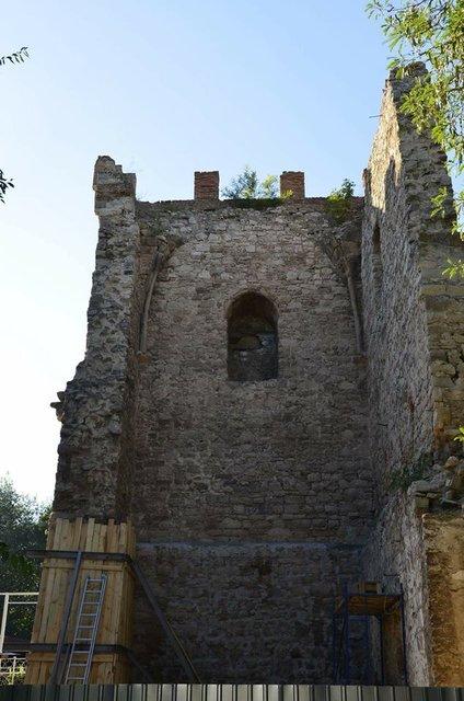 В Крыму опозорились с ремонтом памятника истории, фото-1