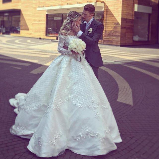 Пугачёва на свадьбе внука затмила невесту