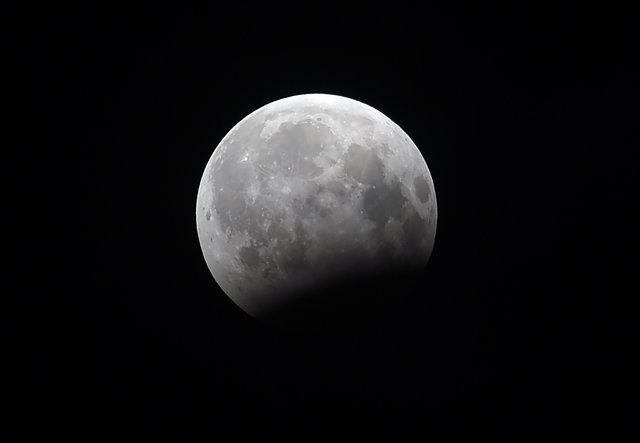 Жители Земли наблюдали за лунным затмением , фото-9