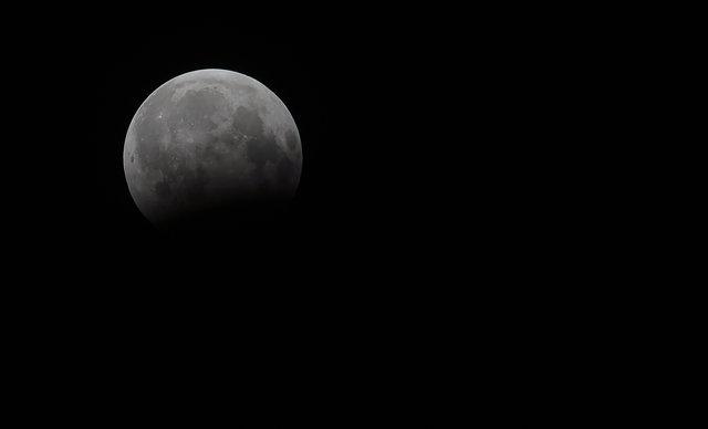 Жители Земли наблюдали за лунным затмением , фото-12
