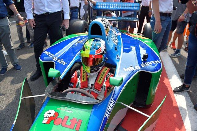Мик Шумахер проедет потрассе вСпа зарулем Benetton своего отца