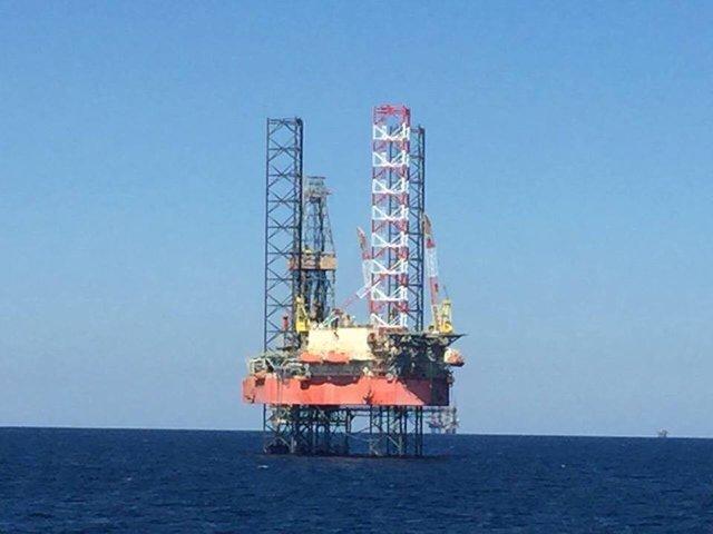 «Отжатые» у«Черноморнефтегаза» объекты охраняют вооруженные люди