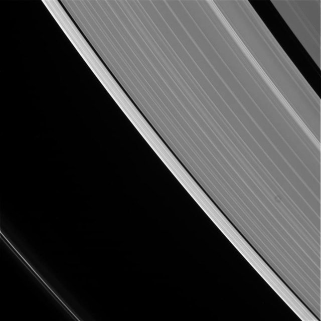 Финал миссии Cassini: зонд вышел на линию движения  столкновения сСатурном