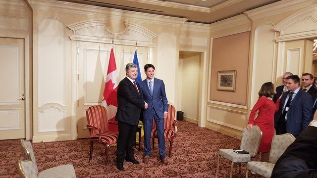Порошенко начал переговоры спремьер-министром Канады